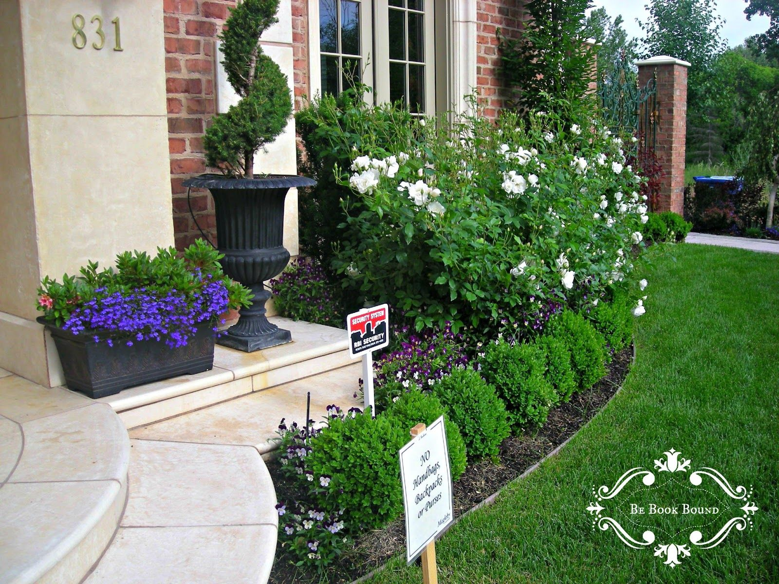 Small Flower Beds For The Front Of The House Estate Front Flower