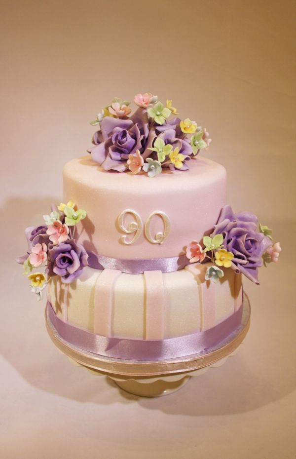 20 Beautiful 90th Birthday Cakes Pictures And Ideas On Meta Networks