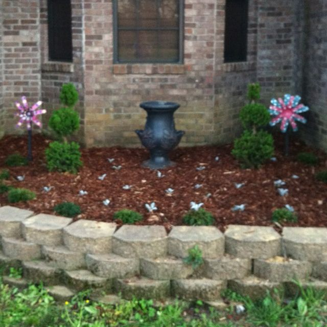Front Of House Flower Bed Idea Maybe A Redo Sooner Than Later I