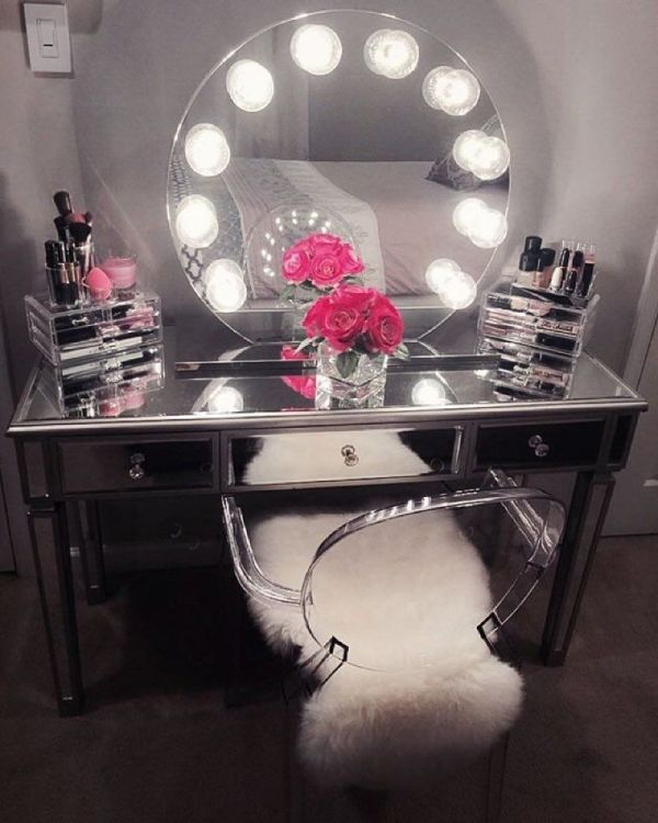 Vanity Table With Lights Ideas