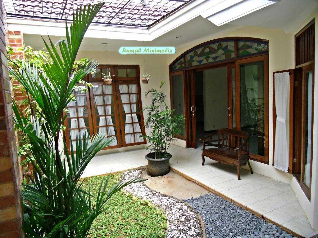 Desain Teras Rumah Minimalis Batu Alam dan Taman Hias