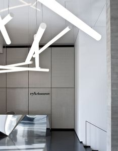 Office spaces also pitsou kedem adds reflective surfaces to tel aviv apartment metal rh pinterest