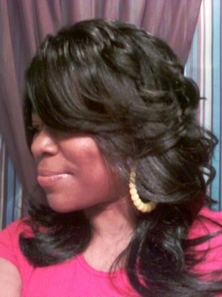Long Layered And Feathered Wig Hairstyle For Black Women Bobs