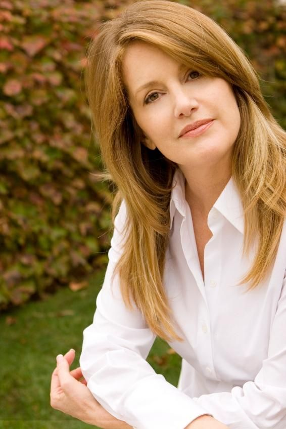 Pictures Of Hair Styles For Middle Aged Women Slideshow