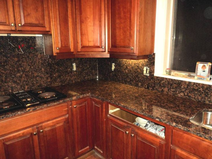 Kitchen Cabinets: Kitchen Design Ideas With Granite Countertops. Vhurleybalticbrowngranitekitchencountertopwithsightly Backgrounds Kitchen Design Ideas With Granite Countertops For Laptop Hd