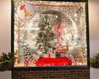 SNOW WINDOW DISPLAY | snow globe display window ...