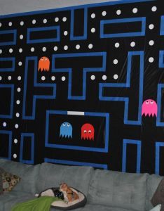 party decor pac man wall used one roll of black also plastic rh es pinterest