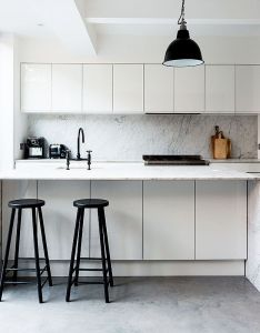 Inside  london home full of contrasts also townhouse bold colors and rh nz pinterest