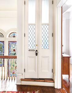 Front doors also tour an innkeeper   dreamy new orleans attic apartment three floor rh pinterest