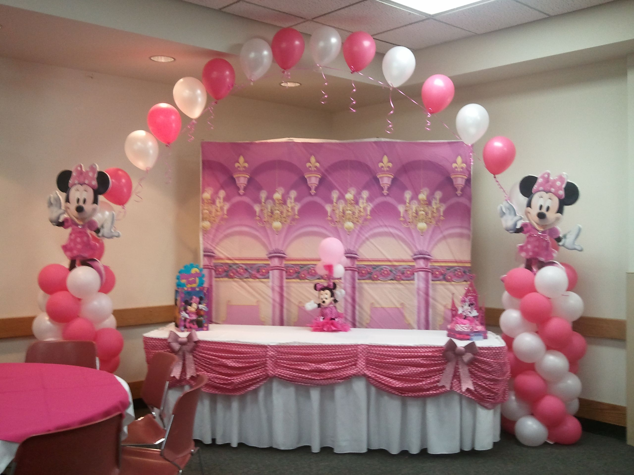 Decoraciones De Fiestas Infantiles Mesa De Pastel Minnie Mouse Party Time Pinterest