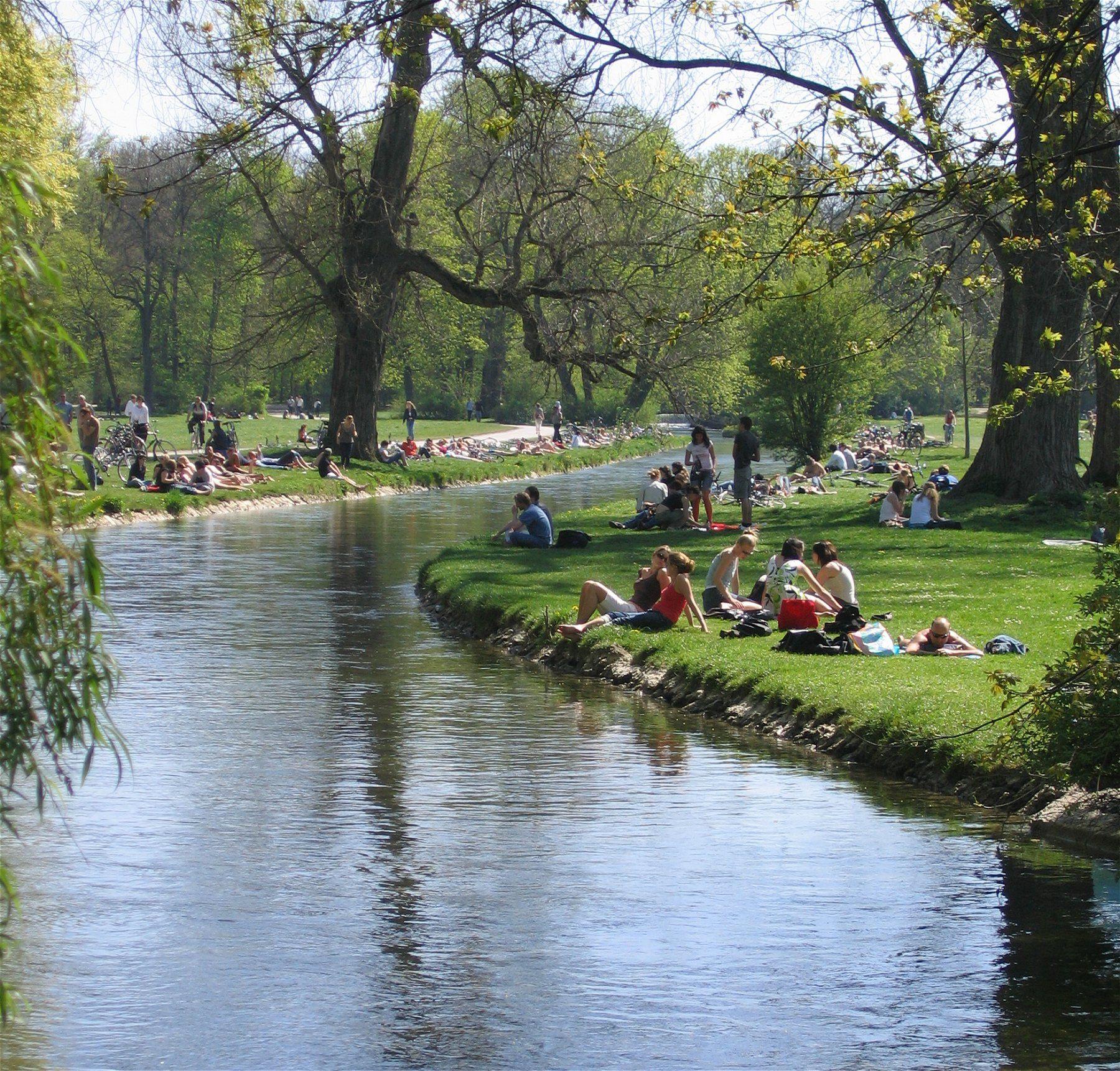 Schwabinger Bach Englischer Garten Muenchen Muenchen
