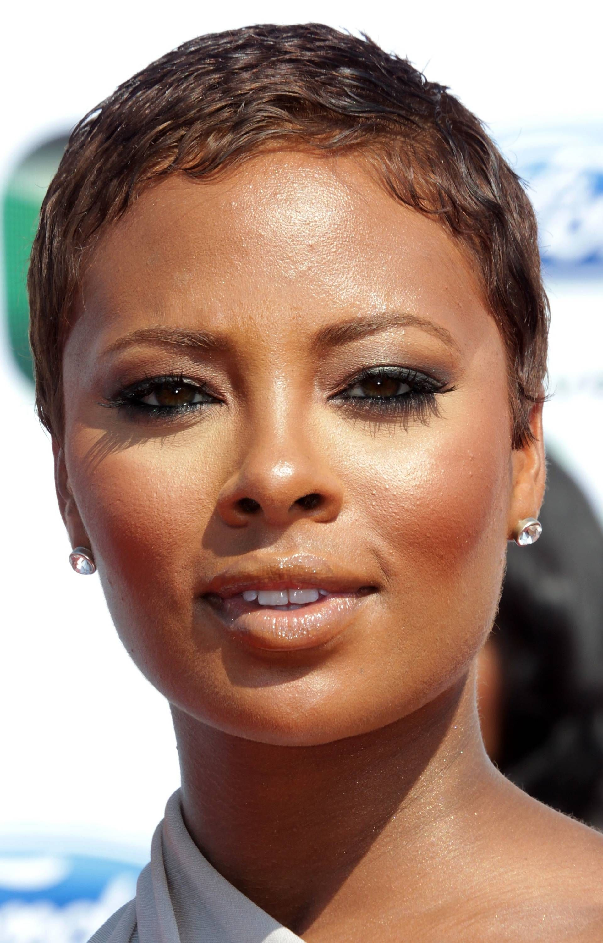The 19 Best Celebrity Pixie Haircuts Short Pixie Textured