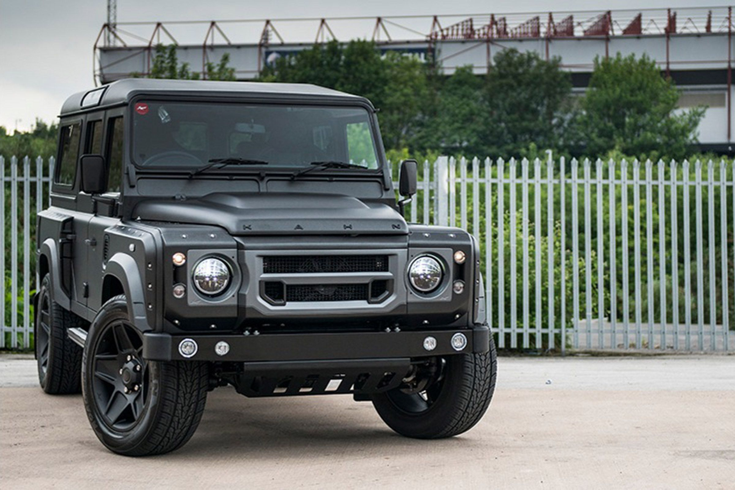 Land Rover Defender The End Edition luxuriousautomotive