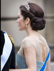 gorgeous princess wedding hairstyles