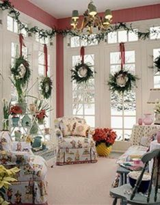 christmas house decorations stepheny adds never mind this lovely interior but the room also rh pinterest