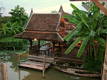 Traditional Thai Houses – Old Thai Houses In Bangkok On Canal Buy