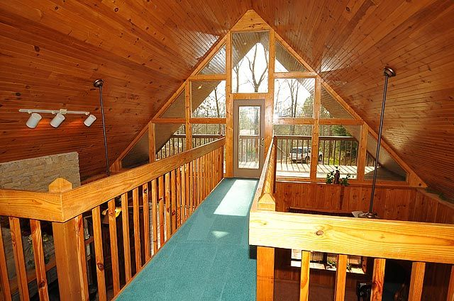 Around The Bend 3 Bedroom A Frame Ski Chalet Style Log Cabin In Pigeon Forge