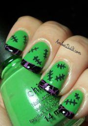 halloween nail art design in green