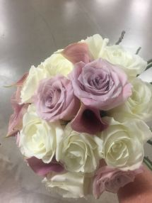 Lavender And Ivory Roses With Calla Lilies