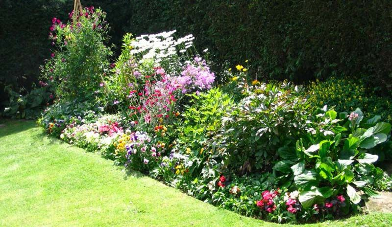 Ideas On How To Design A Flower Bed Small Flower Bed Ideas And