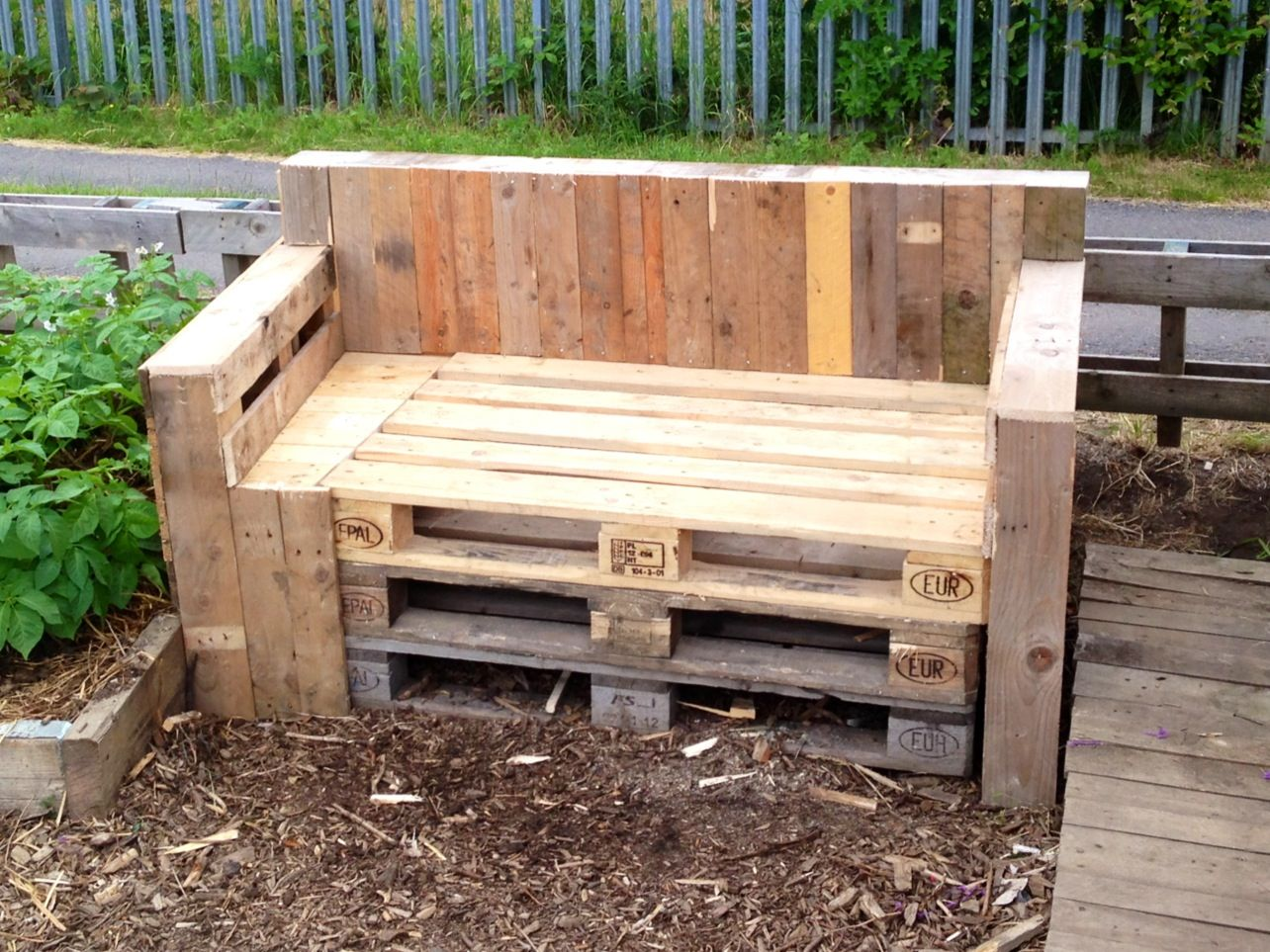 diy pallet sofa table instructions cost plus world market bed the new allotment gardening pinterest