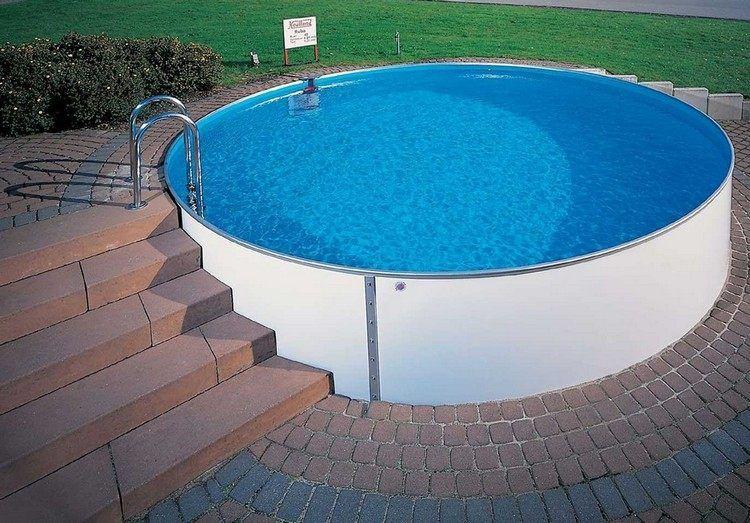 Runder Swimmingpool Mit Stahlwänden Im Garten Garten Pinterest