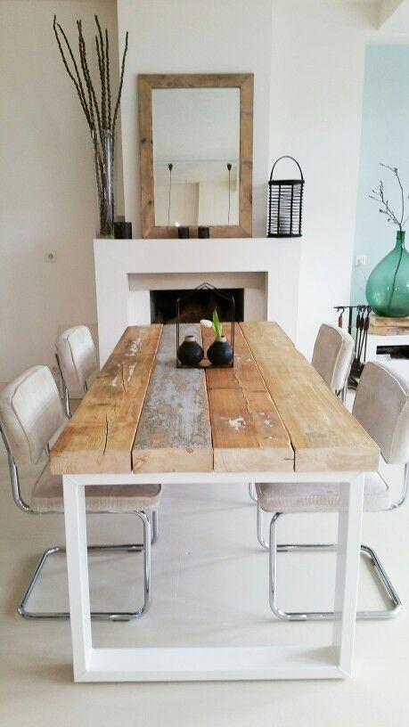 Eettafel Hampton Mooi  Oude houten balken met een wit