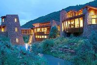 So cool house built into the mountains | Houses ...