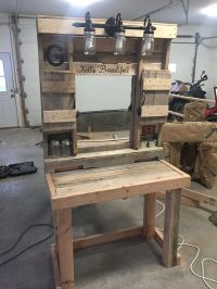 Pallet makeup vanity. Built with pallet boards | Pallet ...