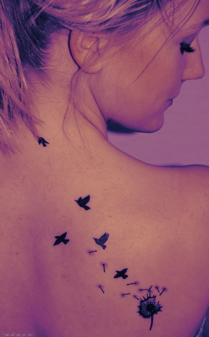 Group Of Volando De Espalda Tatuajes