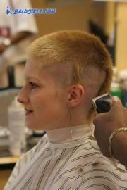 kat surth clipper haircut