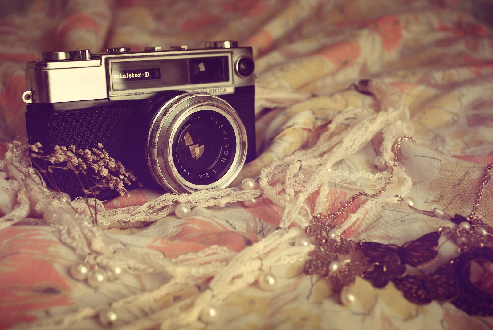Camera Vintage Tumblr : Vintage tumblr things pictures and ideas on carver museum