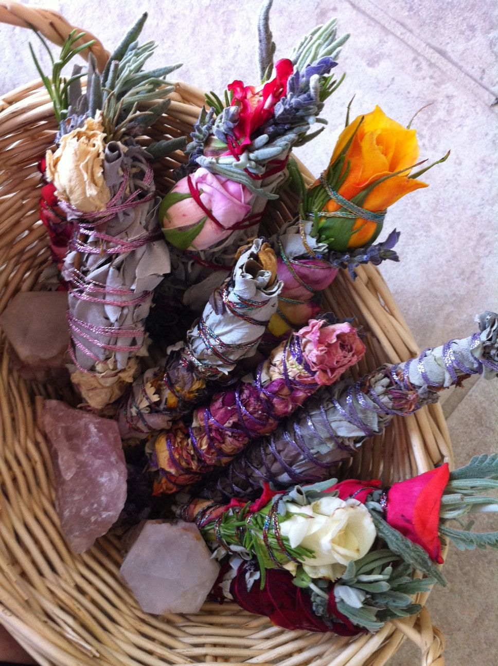 how to make sage bundles with flowers