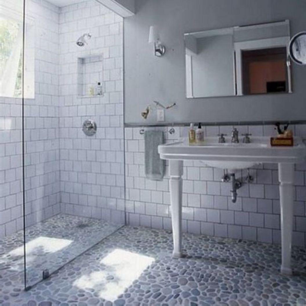 Bathroom , Subway Tile Bathroom Walls : Old Style Subway