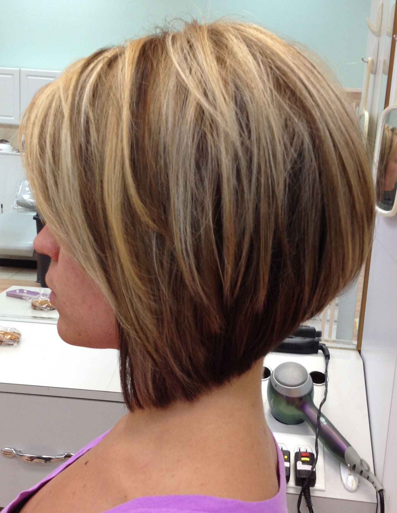 Stacked bob Graduated bob Hilite ite Love this cut and color