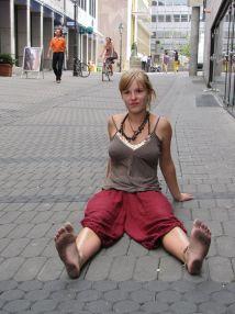 Barefoot Girl In Nuernberg Burkhard1955 Deviantart