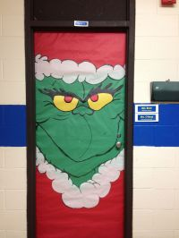 Dr. Suess's Grinch classroom door decoration. | Christmas ...