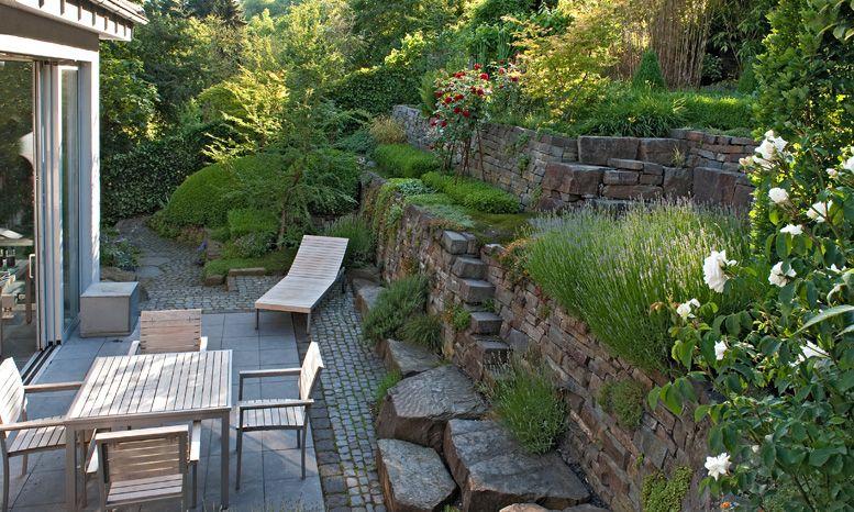 Haus hanglage modern for Garten hanglage