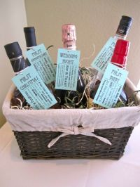 10 Creative DIY Wedding And Shower Gifts | Bridal showers ...
