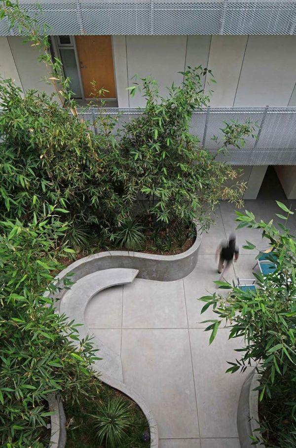 Mark Tessier Landscape Architecture - Courtyard La Brea