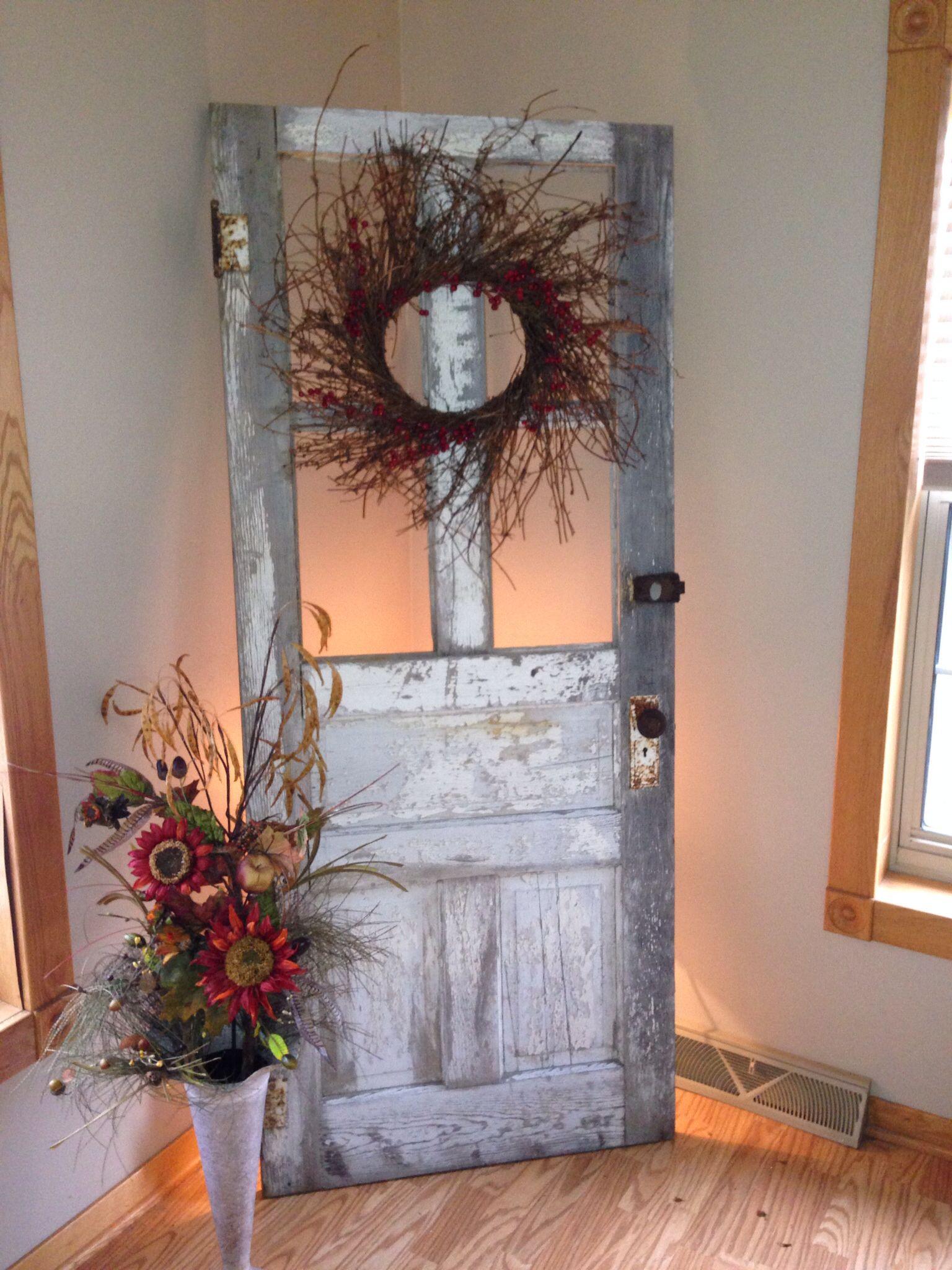 Antique Wooden Door Decorating Ideas