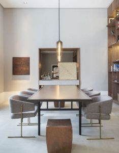 Modern dining room design find different ideas and inspirations in http also rh pinterest