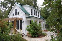 "Traditional ""katrina Cottage"" Design 3 Bedrooms"