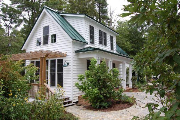 "Traditional ""katrina Cottage"" Design 3 Bedrooms"