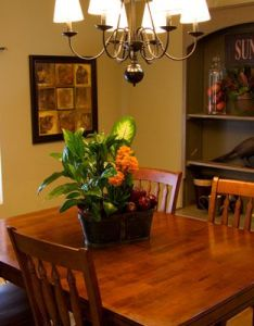 Dining room ideas for mobile homes notice how the chairs are placed around table also from mhd show manufactured pinterest rh