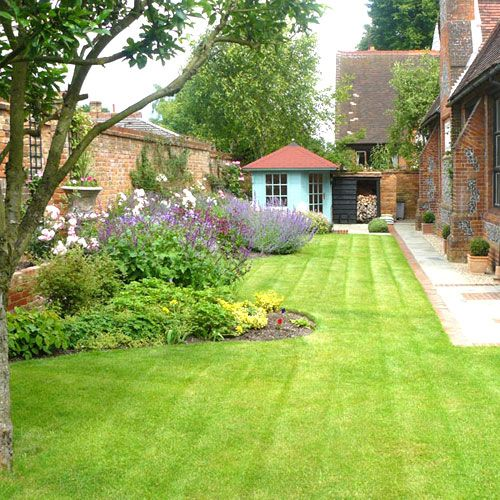 Ideas For Boundary Re Path And Lawn And Love The Regular Pots