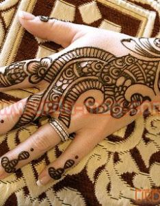 Arabic mehndi designs is one of the popular and it used by most people to decorate hands feet see images simple also design beauty pinterest henna hennas rh