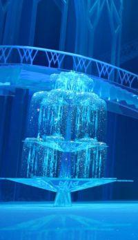 Frozen - Elsa's Ice Castle fountain - notice Elsa's ...