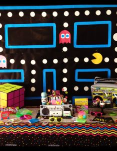 Totally rad   party table pacman background rubic cube boom box nerds also bunting for an  pinterest photo booths rh