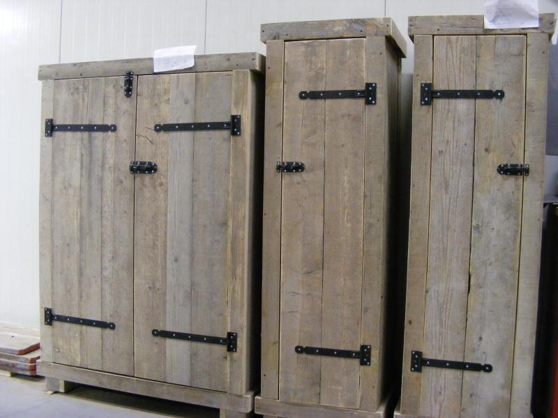 Kledingkast steigerhout 60cm breed met 2 schappen en 1